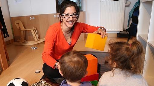 Carolina Viñas, presidenta de la Red de Madres de Día, en su casa de Pozuelo de Alarcón