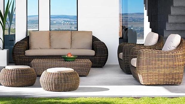 Trucos para decorar el exterior de la vivienda for Sofas para porches