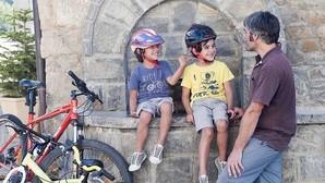 Itinerarios en bici para llevarse a la familia este verano por España