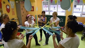 Un factor de gran ayuda es la interrelación con otras mujeres embarazadas para compartir deseos y sensaciones
