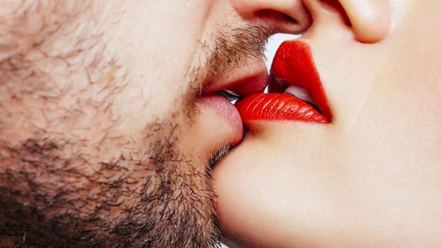 ¿Se incrementan las relaciones sexuales en verano?