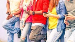 Los millennials utilizan el móvil casi siete horas al día