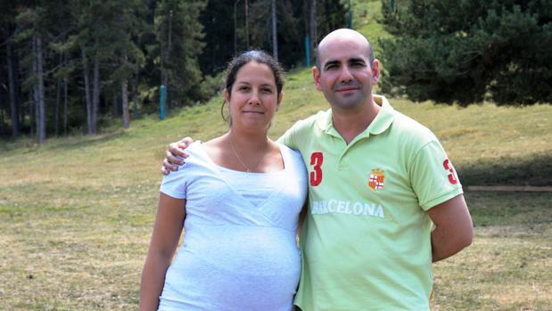 Jordina y Venancio, los padres de este bebé