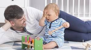 La padres actuales juegan con sus hijos mucho más que sus antecesores