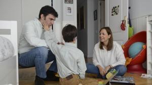 Jimena con su marido y el pequeño Alonso