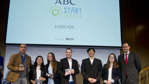 El equipo Sendipity, de la Institución Javeriana, ganador en la categoría de más de 18 años.