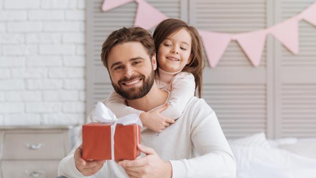 Los españoles gastan un 14% menos en regalos para el Día del Padre que para el de la Madre