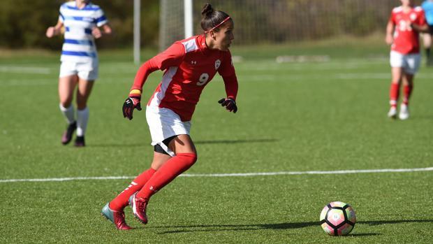 De hija de inmigrante y estudiante en España a estrella de fútbol en EE.UU.