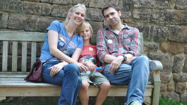 Día Mundial del Autismo:  «El videojuego Minecraft me permitió comunicarme con mi hijo Zac, con autismo»