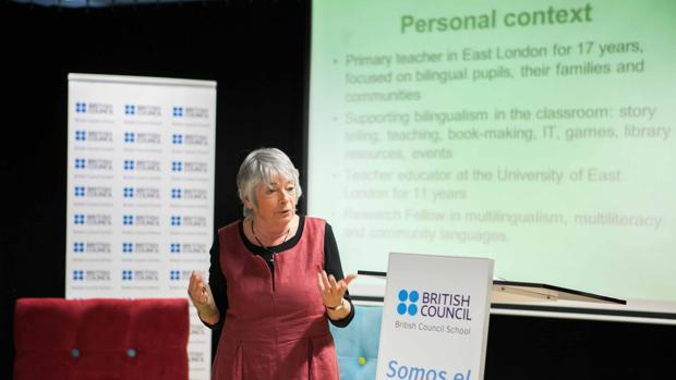 Raymonde Sneddon, reconocida experta en el aprendizaje y enseñanza de idiomas