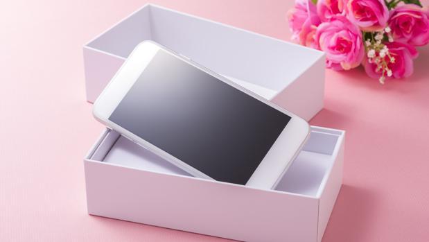 Razones por las que no deberías regalarle un móvil por su Primera Comunión