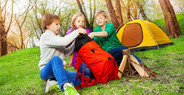 cómo preparar el equipaje para ir de campamento