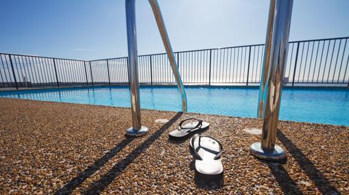 Es muy importante que las piscinas estén cercadas para evitar que los niños accedan solos