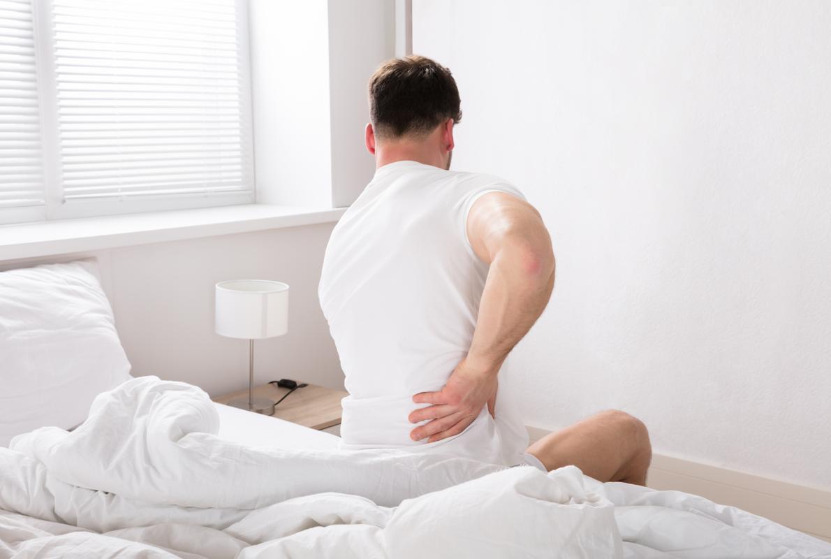 es normal sentir dolor de espalda las primeras semanas de embarazo