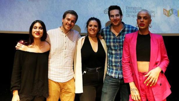 De izqda. a dcha.: María, Javier, Andrea, Manu y Jedet