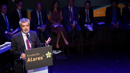 El presidente de la Fundación Alares durante su discurso de inauguración de la gala