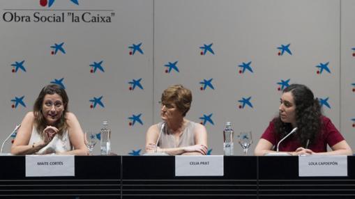 En la imagen, de izquierda a derecha, Maite Cortés, Celia Ptrat y Lola Capdepón,, representantes del sector drogas