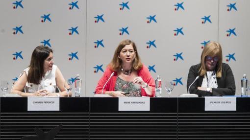 En la imagen, de izquierda a derecha, Carmen Perdices, Irene Arrimadas y Pilar de los Ríos, representantes del sector educativo
