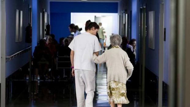 En torno al 13% de los ancianos que viven en residencias de mayores en España están «sujetos»