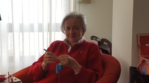 Remedios Díaz-Pache, una de las tejedoras voluntarias