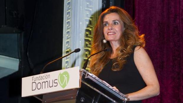 Laura Peraita agradece el premio otorgado en la ceremonia celebrada en el Teatro Amaya de Madrid