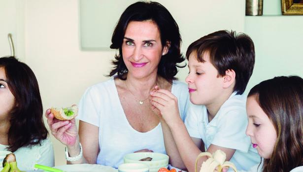 «Las familias deben cumplir una regla en la mesa: que padres e hijos coman el mismo menú»