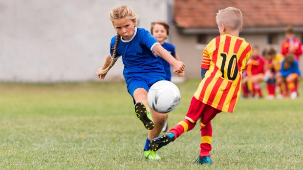 Jugar Al Futbol Ya No Es Tan Dificil Para Las Ninas