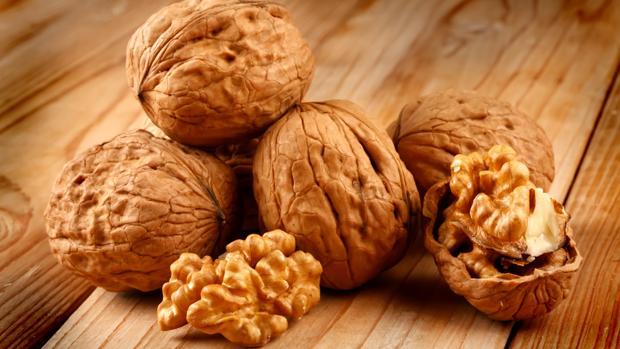 Las nueces no influyen en el aumento de peso de los mayores.