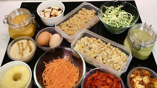 Un ejemplo de «batch cooking» o cocinar un día para comer el resto de la semana.