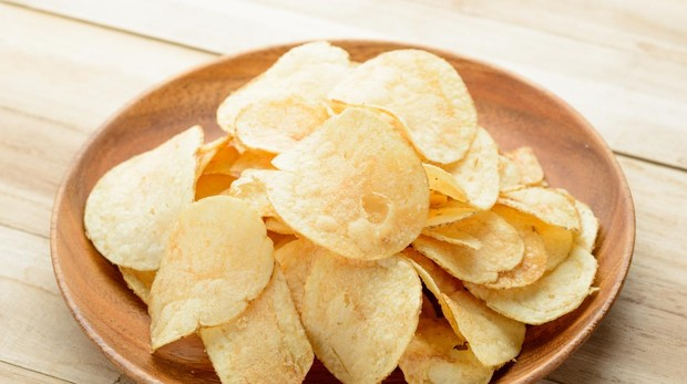 Las patatas fritas de bolsa aportan calorías vacías de nutrientes.