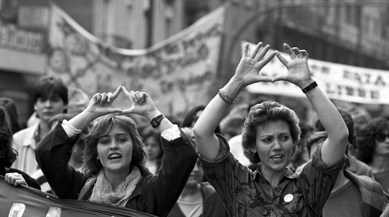 40 años de igualdad en la Constitución: «Nos creímos que seríamos iguales, pero no valía solo con eso»