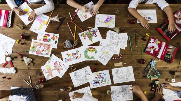 A los niños les encantan las manualidades navieñas.