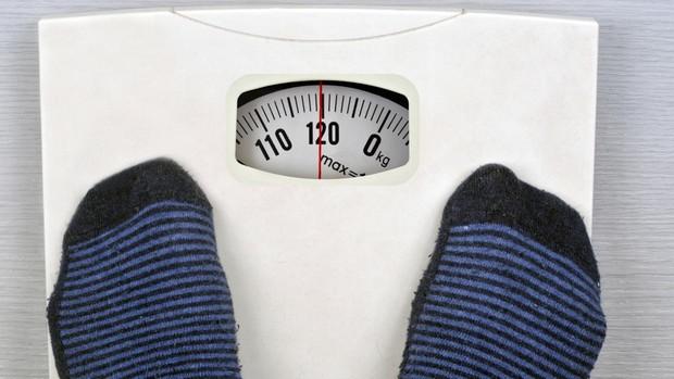 Para adelgazar lo más recomendable es hacer una dieta hipocalórica variada y equilibrada