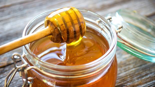 La miel puede contener una bacteria peligrosa para los bebés.