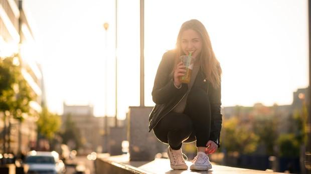 Los estudios revelan que estas bebidas enmascaran el efecto depresor del alcohol