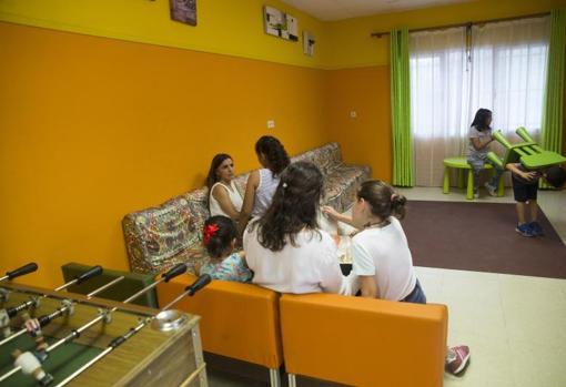La labor de voluntariado también incluye apoyo escolar