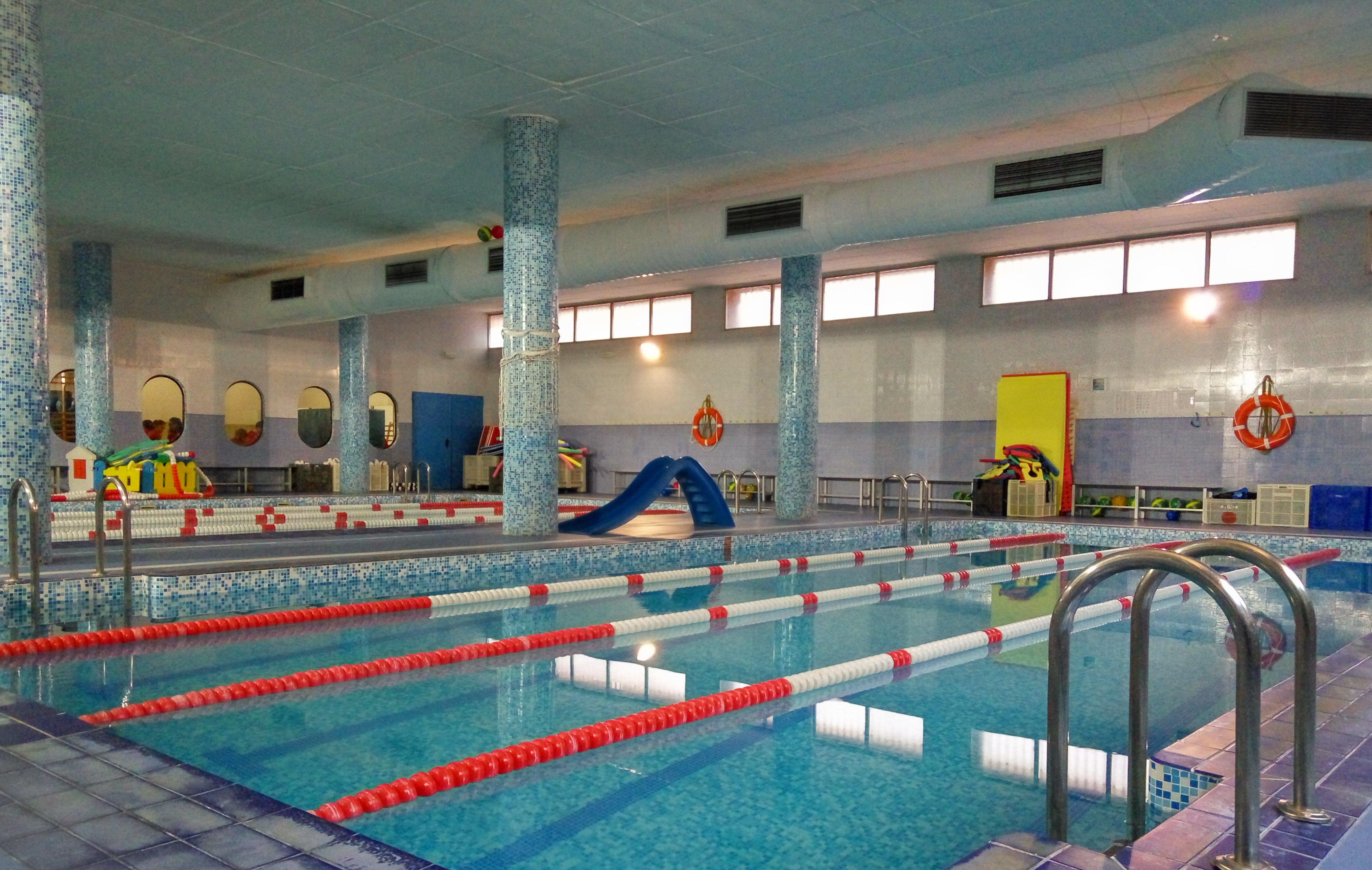 Colegio joyfe en madrid for Cubiertas para piscinas madrid