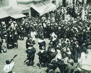 Marruecos - los Soldados del Raisuli Desfilando por las Calles de Tánger - foto...