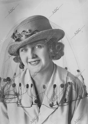 En la Imagen, sombrero de 1918. El velo Es de Van Realte