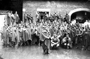 San Sebastian - en el palacio real la banda del tercio de Voluntarios en un...