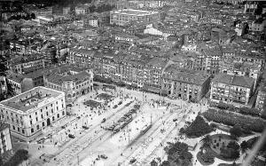 Avenida de Alfonso XIII, Banco de España, Casa de Correos