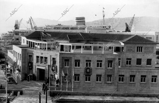 Nuevo edificio de sanidad exterior del puerto de Vigo - Archivo ABC