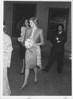 En la Imagen, la Princesa de Gales durante su visita al museo del prado