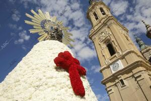 Ofrenda de Flores A la Virgen del Pilar