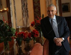 El embajador de Italia en España Stefano Sannino, nos muestra el interior de la...