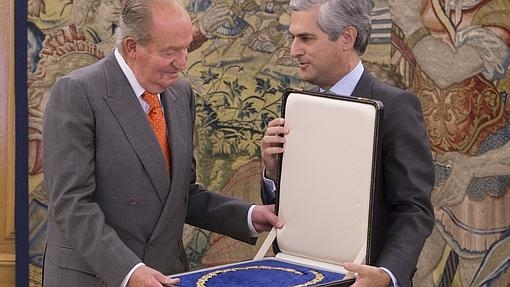 El Rey, con Adolfo Suárez Illana