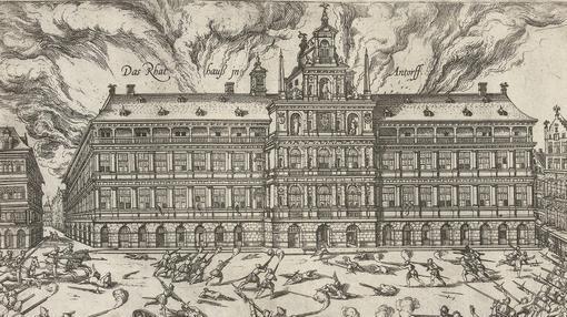 Incendio de Amberes iniciado en el ayuntamiento