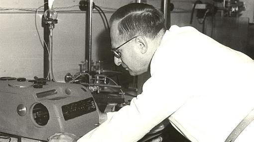 Segal, el ideólogo de la teoría de que el sida es una enfermedad artificial creada por EE.UU.