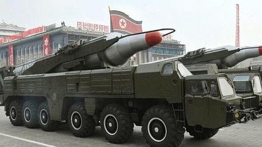 Misiles norcoreanos exhibidos durante un desfile nacional
