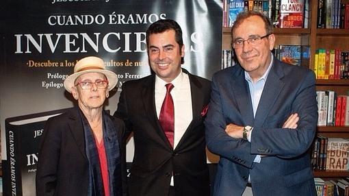 María Cristina Barrios Almazor, anterior cónsul y embajadora de España, junto a Jesús Ángel Rojo en la presentación en Miami (Florida)